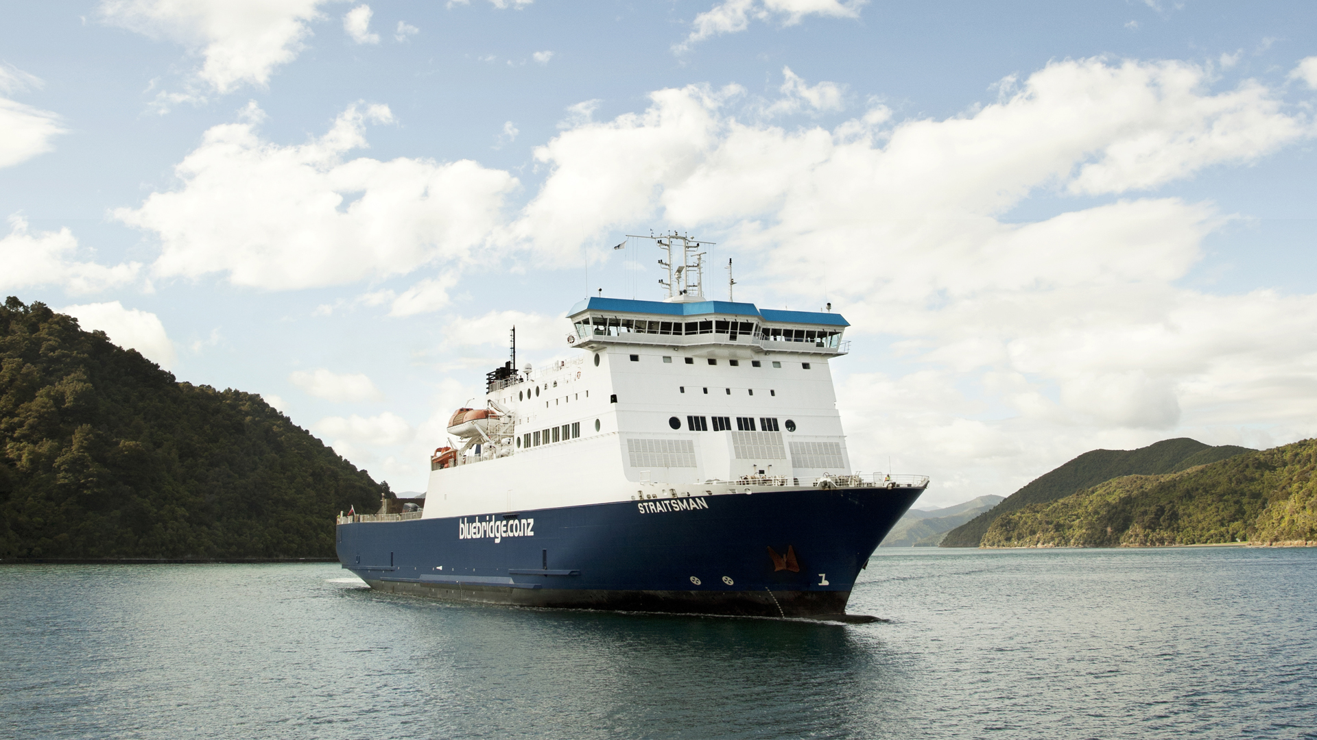 Bluebridge Straitsman Ship in Marlborough Sounds